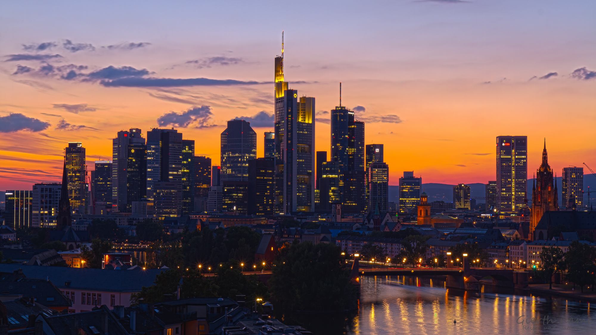Frankfurt Mainhatten vom Lindner Mainplaza fotografiert