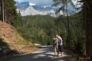 Jule und Marcel beim Abstieg