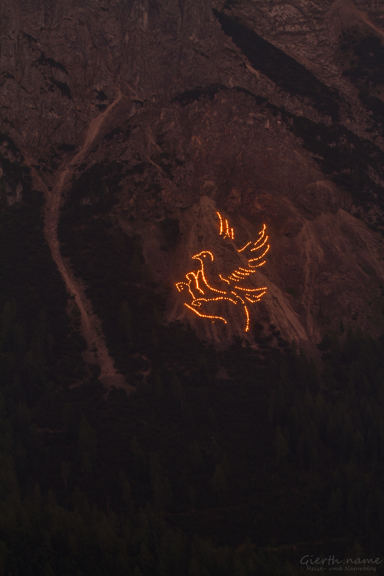 Taube in der Hand, Bergfeuer 2017