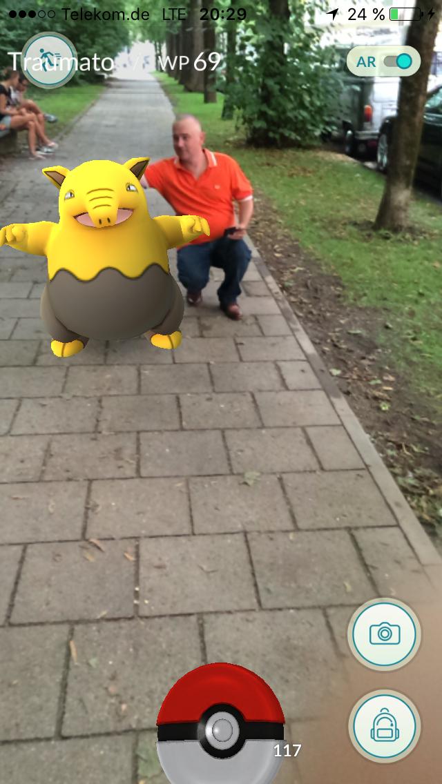 Traumato (gelb) mit Trainer (orange)
